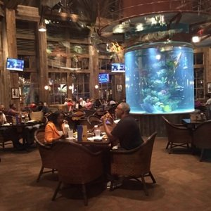 Fish restaurant with fish tank sm1.jpg