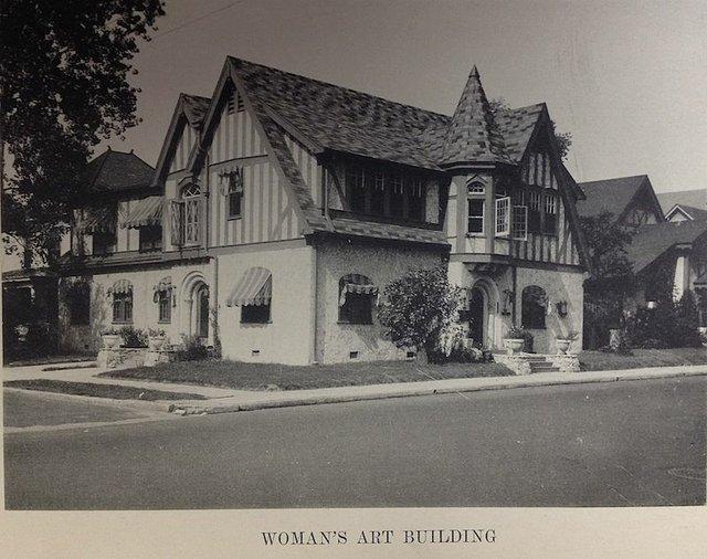 WomansArtBuilding-HelenShop-blog.jpg