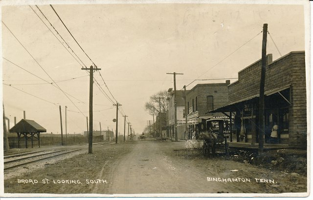 Broad Avenue in 1911. Despite the caption, the view is actually looking east.