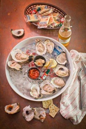 Five Spot oysters sm.jpg