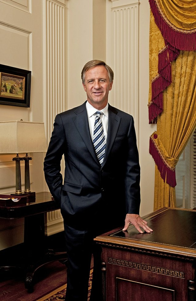 Gov-Haslam-full-length.jpg