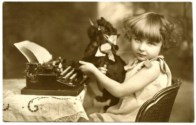 TypewriterGirl-Vintage-GraphicsFairy21.jpg