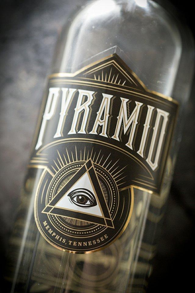 pyramid5372_01.jpg