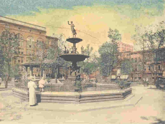 Court-square-fountain-1912-blog.jpg